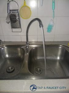 leaking-tap-repair-kitchen-tap-and-hose-replacement-singapore-hdb-bukit-batok-2_wm